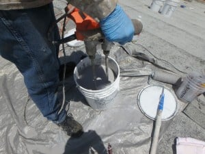 Mixing Ecodur Roof Coating